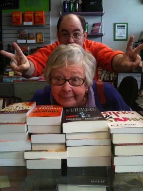 Mia Buys Books