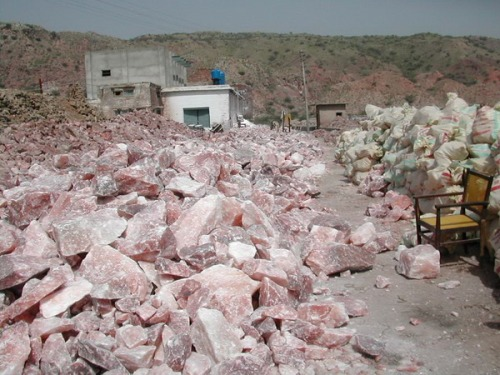 rock-salt-mine-pakistan-01