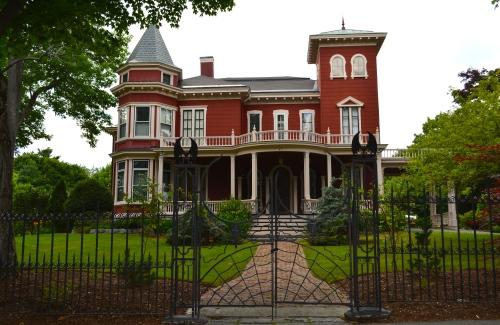 kinn house 2